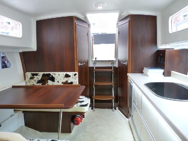 Nautika 830 S - Kompaktowy Półślizgowy Houseboat 4