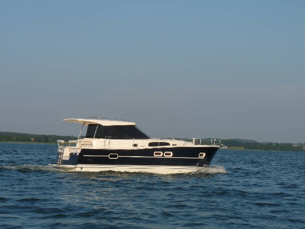 Nautika 1000 – Jacht Spacerowy (houseboat) 2